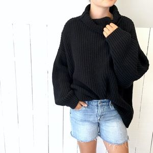 🆕Listing! FreePeople Oversize Cozy Sweater